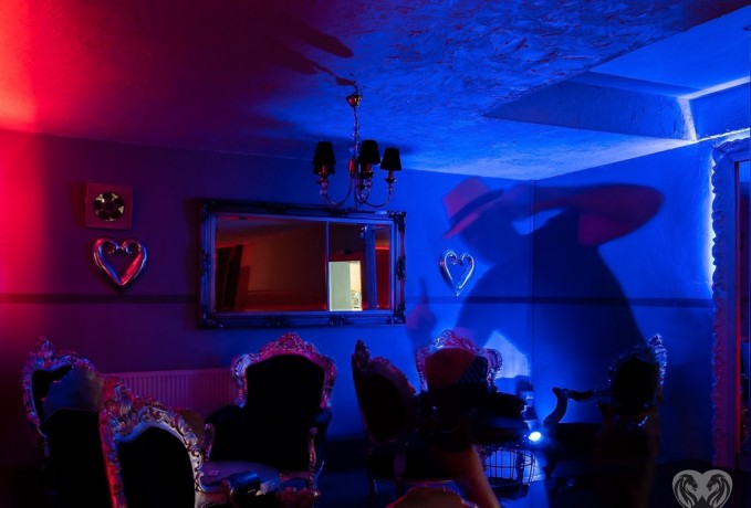 night-club-germania-dame-de-companie-big-0